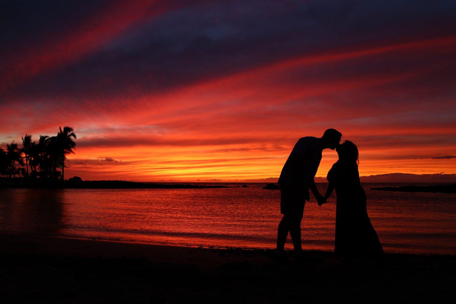 Eloping on Big Island Hawaii Kathryn Cooper Weddings sunset waikaloa