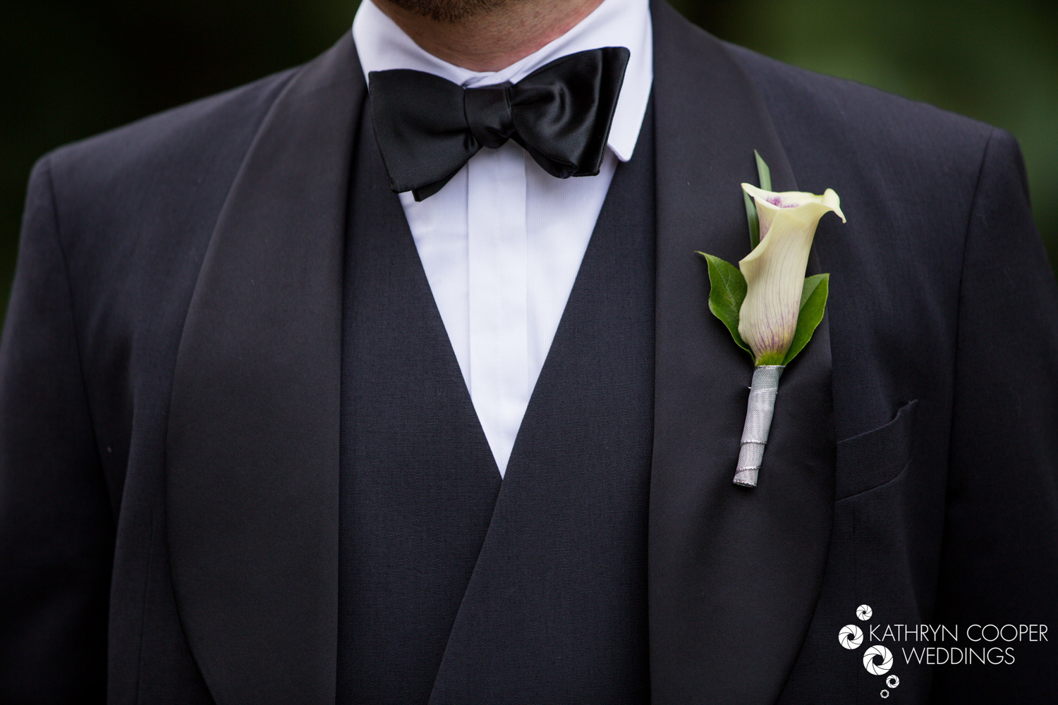 Groom's boutonniere central park wedding calla lily