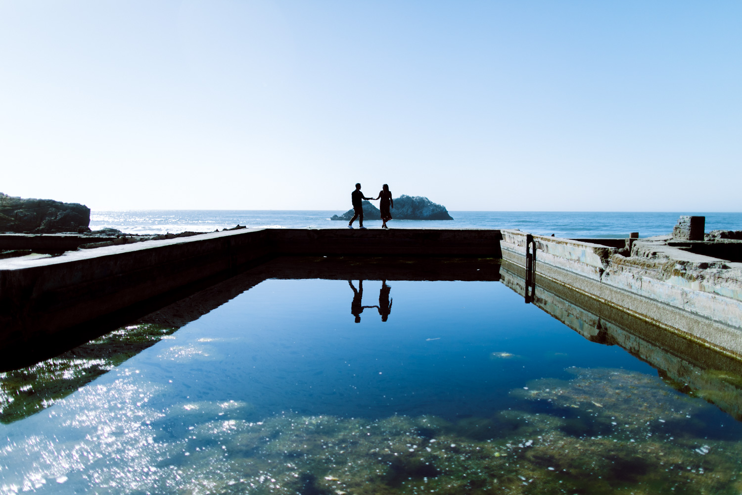 San Francisco engagement photo locations spots for cool photography sutro baths couple