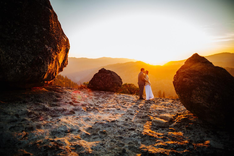 Yosemite photographer sunset wedding photos mountain top